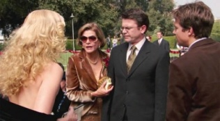 Arrested Development 01x07 : In God We Trust- Seriesaddict